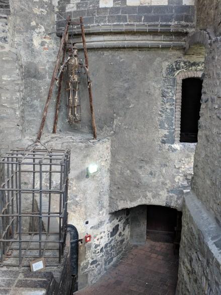 Criminals were thrown in the dungeon.